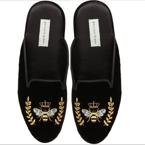 Patricia Green 🐝 Beatrice Bee Smoking Slippers 7